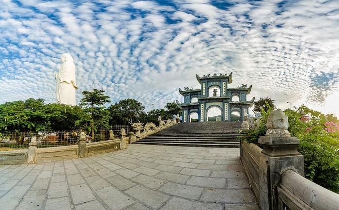 Chùa Linh Ứng Non Nước – điểm đến văn hóa tâm linh không thể qua khi du lịch Đà Nẵng
