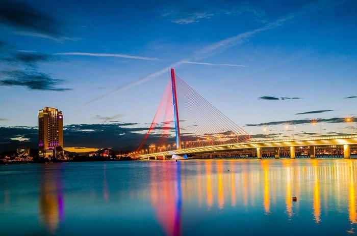 Cầu Trần Thị Lý – khát vọng vươn ra biển khơi