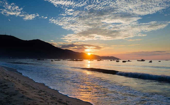 Bình minh trên biển Đà Nẵng