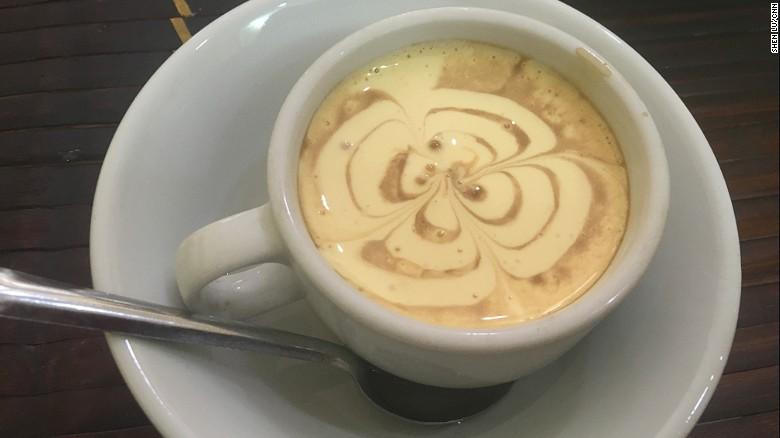 Cà phê trứng:Cà phê trứng Việt Nam giống món ăn tráng miệng hơn là một đồ uống.