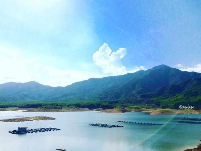Mặc dù chỉ là một hồ nước nhân tạo - Ảnh: Monki1804