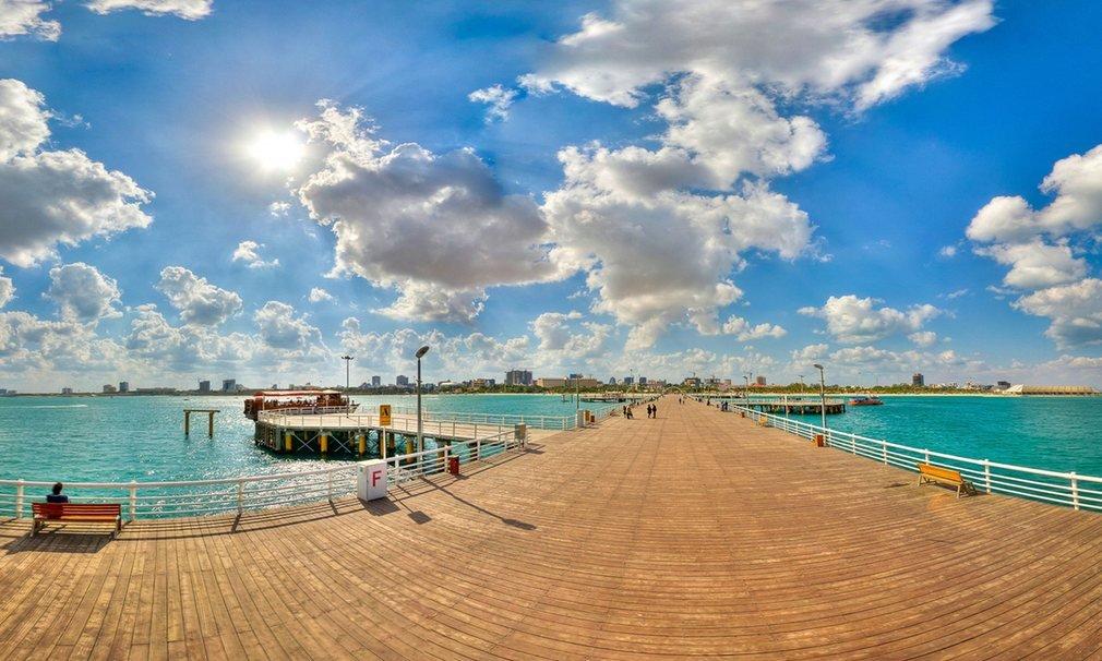 Một bến tàu ngập nắng ở đảo Kish, thuộc vịnh Persian, Iran. Năm 2010, đảo Kish đượcNew York Timeschọn vào top 10 đảo đẹp nhất thế giới.