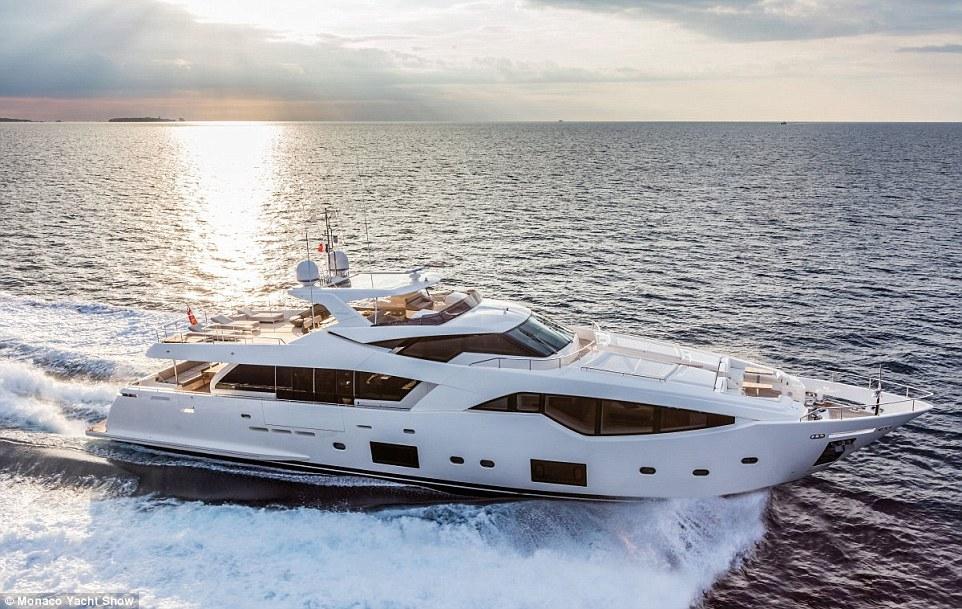 Từ ngày 28/9 đến 1/10, tại Monaco sẽ diễn ra triển lãm siêu du thuyền. Dự kiến có 125 du thuyền hạng sang, 580 nhà triển lãm đến từ 38 quốc gia sẽ tham gia show lần này