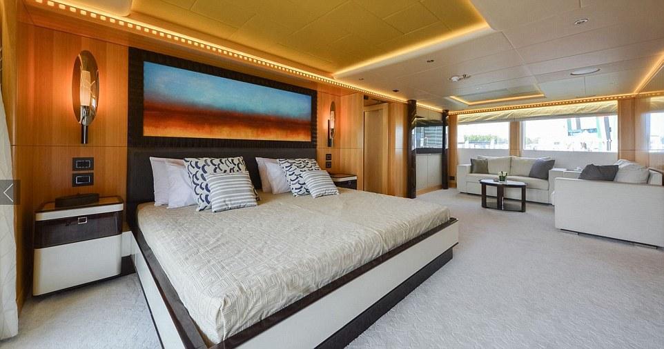 Phòng ngủ của tàu được thiết kế rất rộng rãi.