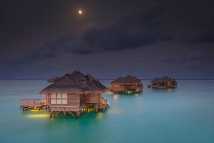 Bungalow – đặc sản của thiên đường biển Maldives - Ảnh: cpm3