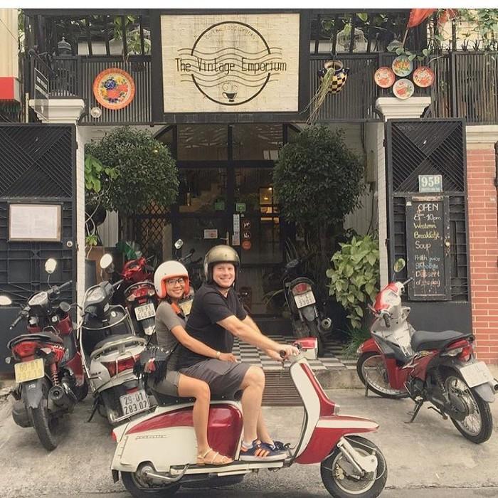 Chốn cổ điển giữa lòng Sài Thành- Ảnh: thevintageemporium.cafe