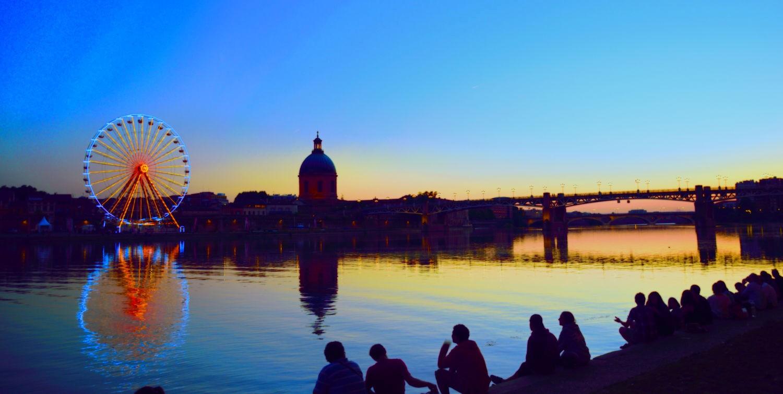 Chiều hoàng hôn lãng đãng bên sông Garonne