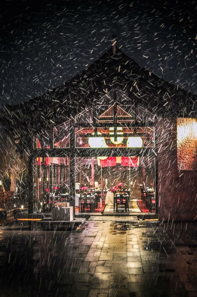 Mỗi mùa tuyết rơi lịa cô đơn đến lạ kì
