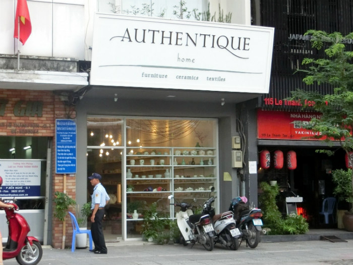 Tiệm gốm Authentique Home