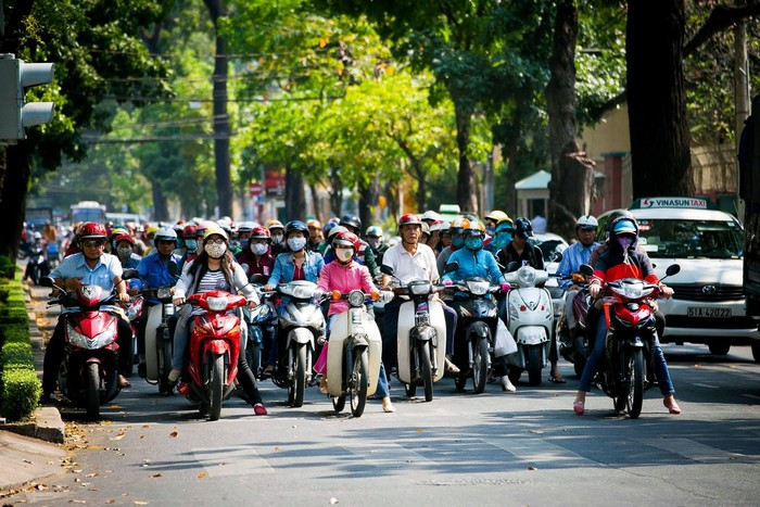 Ở Sài Gòn nên di chuyển bằng gì