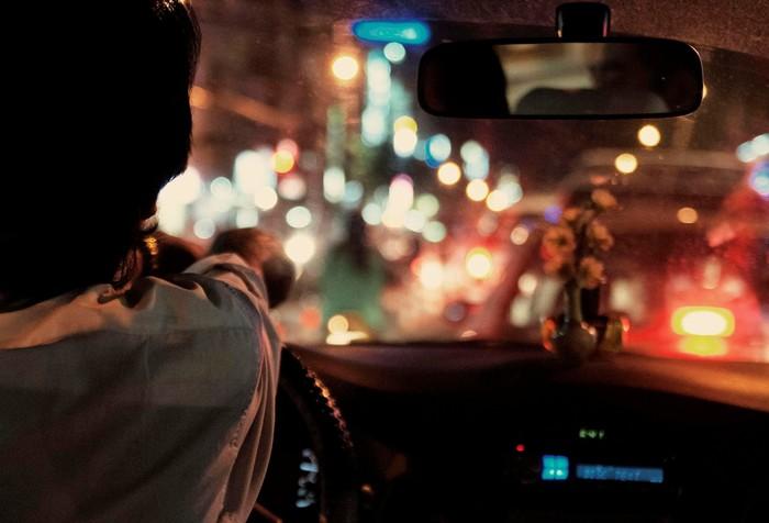 Đằng sau tay lái là những câu chuyện rất đời