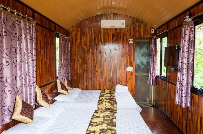Mỗi phòng được trang bị đầy đủ để du khách thoải mái nhất