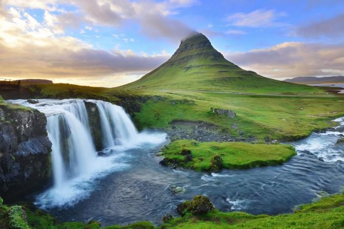 Iceland đẹp thơ mộng với cảnh sắc thiên nhiên quyến rũ