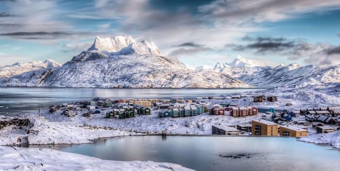 Thủ đô Nuuk ở Greenland đẹp hơn cả tranh vẽ