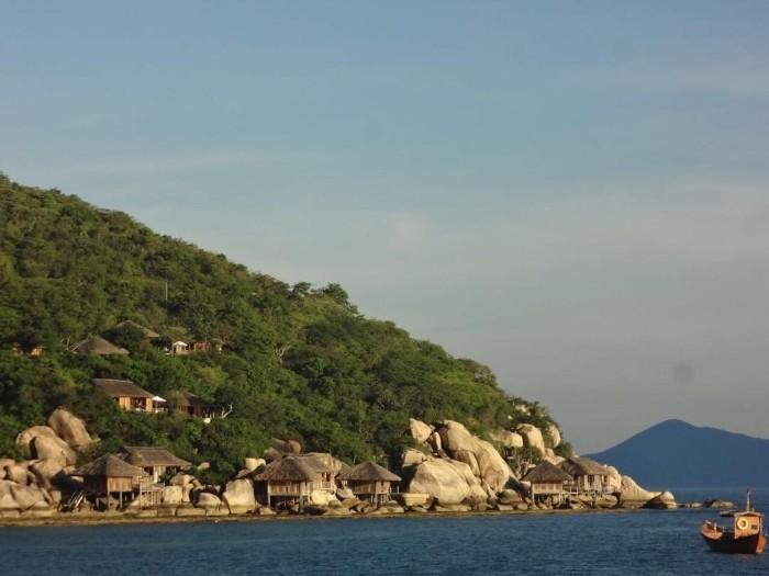 Khu nghỉ dưỡng này chắc chắn sẽ làm hài lòng du khách - Ảnh: @sixsensesninhvanbay