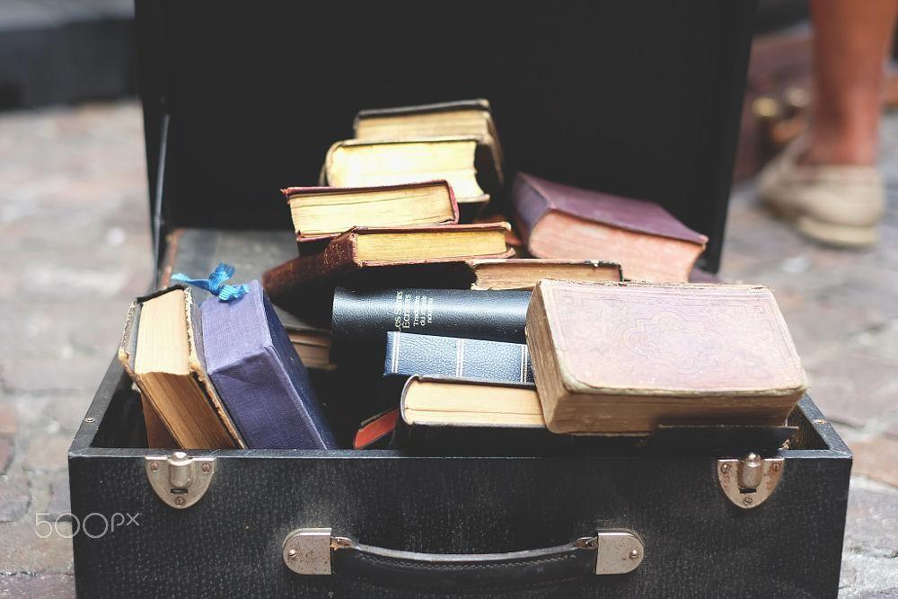 Đừng mang theo những cuốn sách chỉ để làm cảnh
