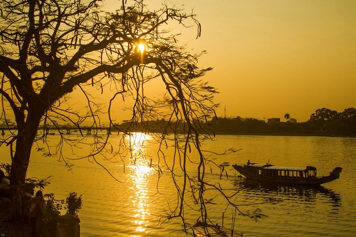 Chiều sông Hương