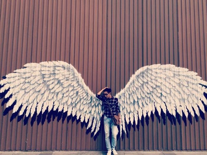 Đôi cánh thiên thần tại Emart – hiện tượng làm điên đảo mạng xã hội - Ảnh: @susi_susit