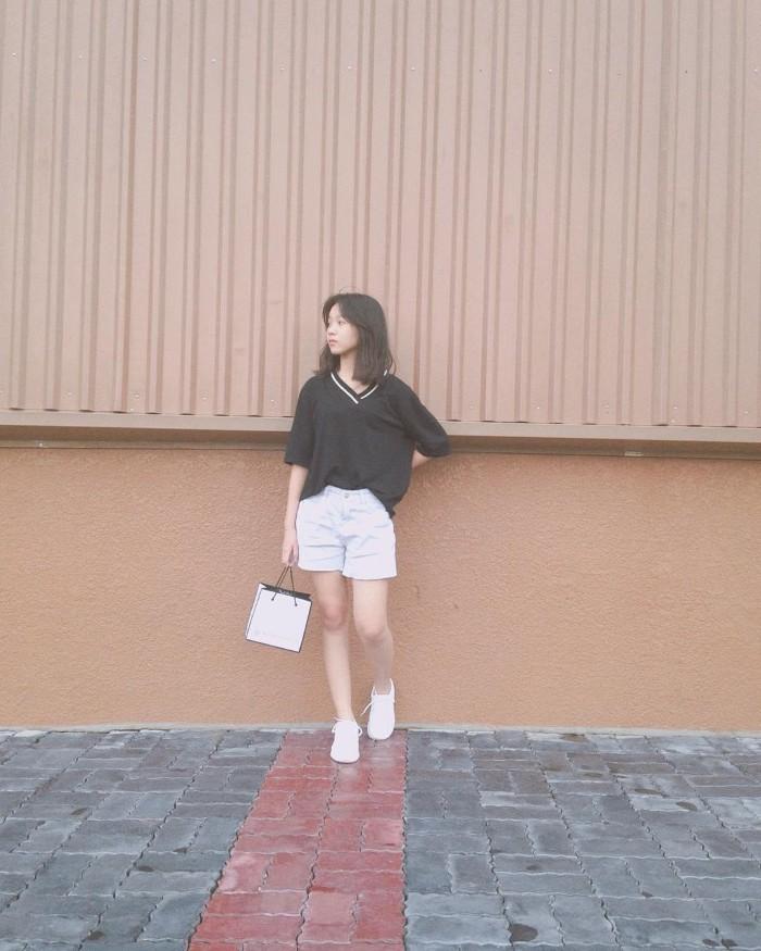 Mảng tường cam Emart – nơi bạn thỏa thích khoe phong cách thời trang cá nhân - Ảnh: @ngoctran1394