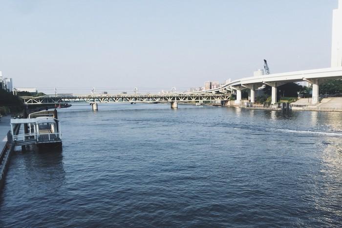 Du khách có thể dạo quanh Tokyo bằng các thuyền du lịch trên sông Sumida