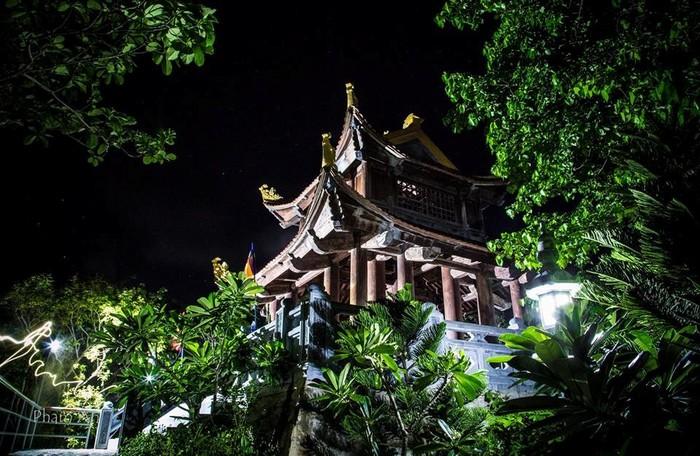 Vân Sơn Tự buổi tối