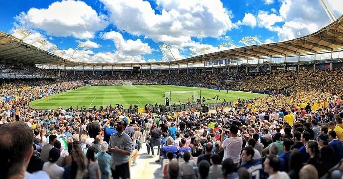 Hàng chục nghìn người tại sân vận động Toulous