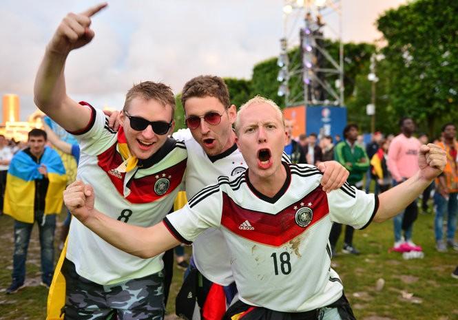 Cổ đông Đức vui mừng vừa thắng trận