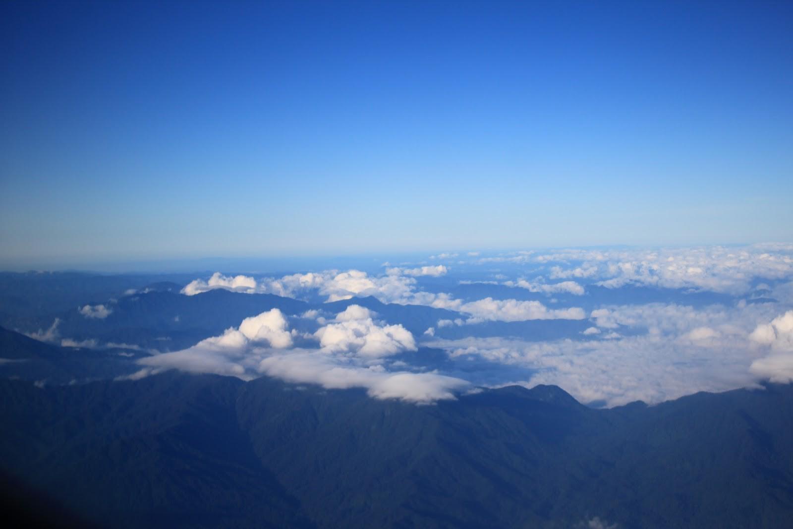 Bạn có thể thỏa thích ngắm nhìn mây trời trong chuyến đi của mình
