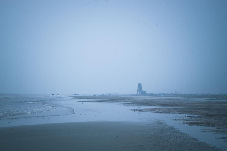 Nhà thờ đổ, nét chấm phá vùng biển Hải Lý