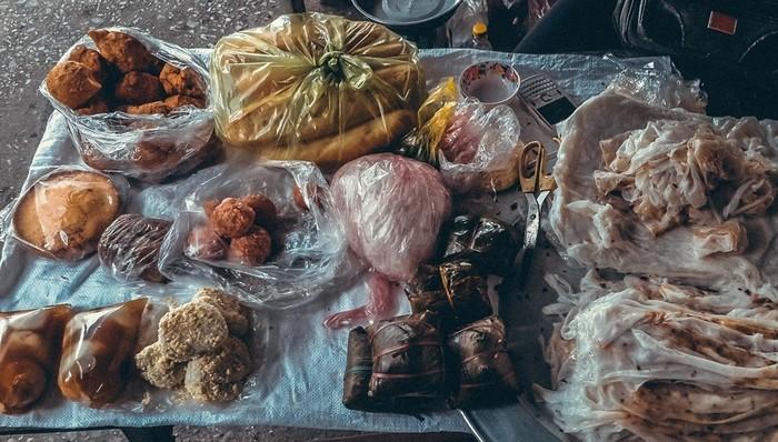 Ghé chợ Bến thưởng thức món quà quê