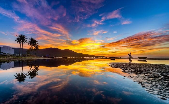 Nắng vàng trên biển Đà Nẵng