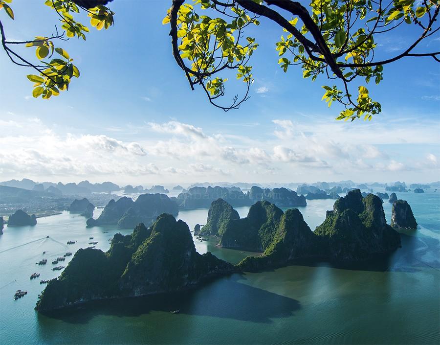 Vịnh Hạ Long với vẻ đẹp tuyệt mĩ