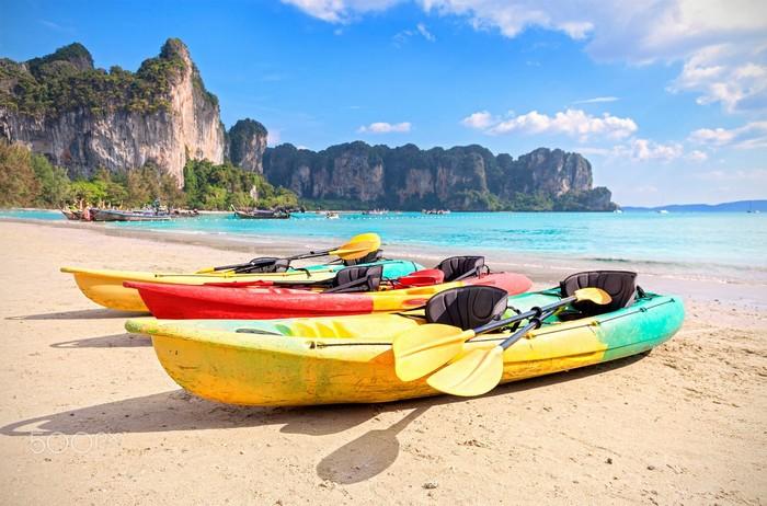 Chèo thuyền kayak được du khách ưa chuộng