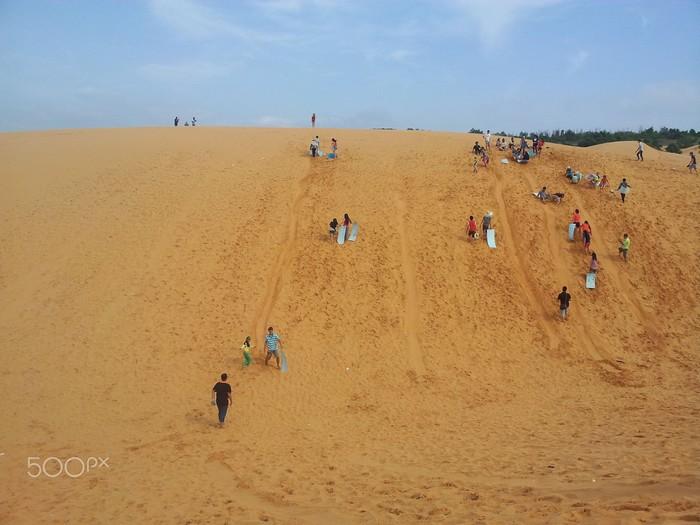 Cần một sức khoẻ dẻo dai cho chuyến chinh phục các đồi cát