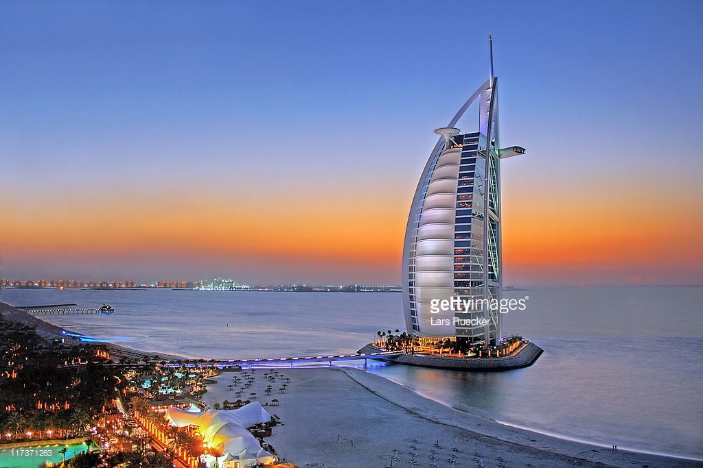 Chiêm ngưỡng khách sạn đẳng cấp 7 sao Burj AI Arab