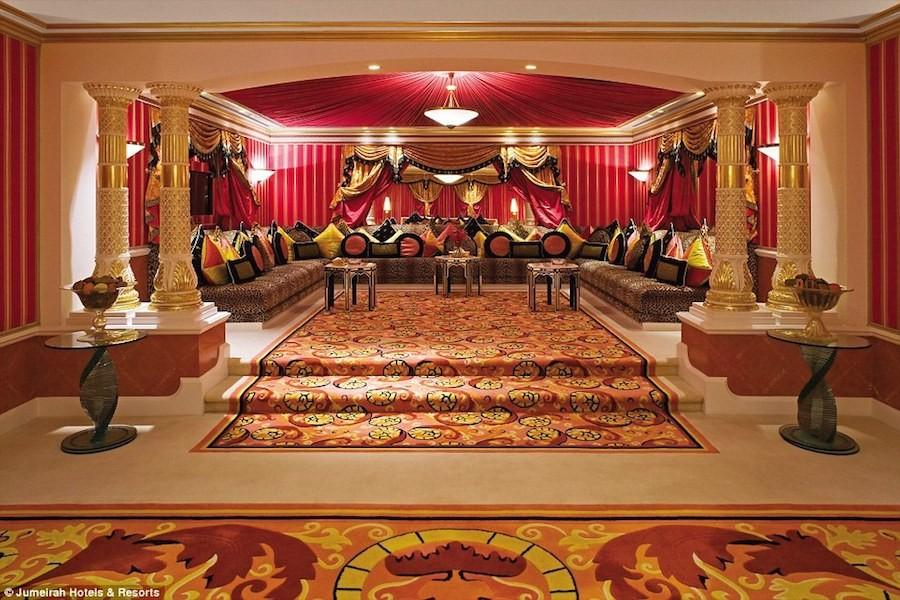 Phòng Royal Suite mang đẳng cấp của một đế vương