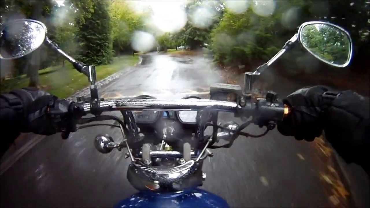 Đảm bảo an toàn khi di chuyển trong mưa là ưu tiên hàng đầu