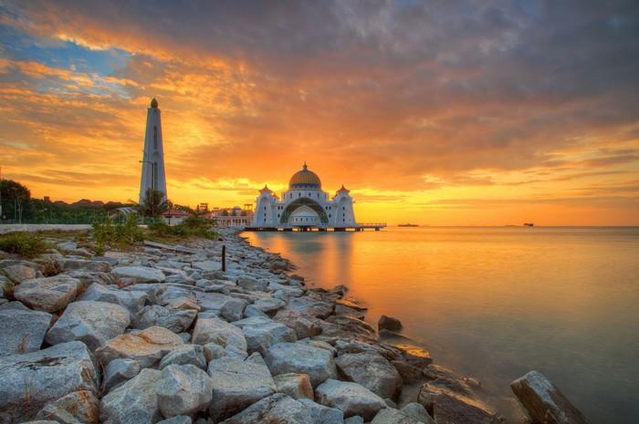 Malacca là thành phố đầu tiên ở Malaysia ban hành lệnh cấm hút thuốc