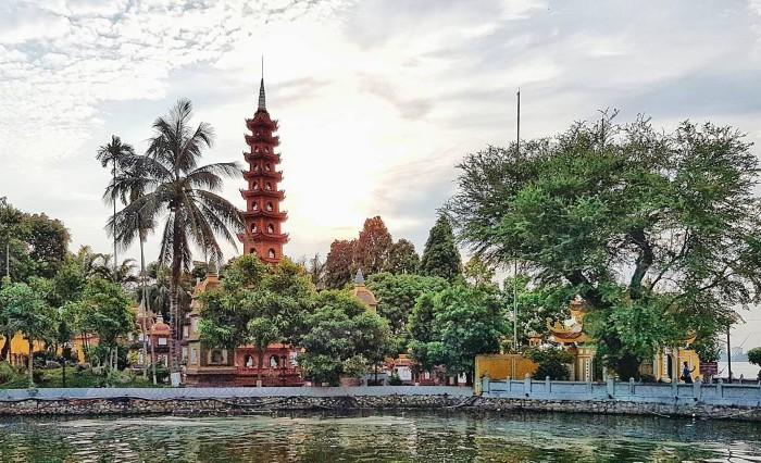 Vẻ đẹp ở chùa Trấn Quốc còn mãi theo thời gian - Ảnh: @jianlinooi