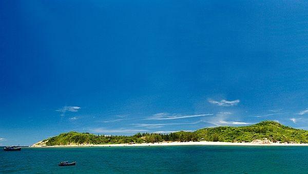 Mảnh tình xanh nơi đảo hòn Chùa