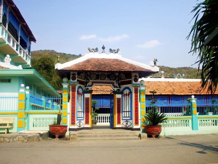 Nhà Lớn ở Long Sơn
