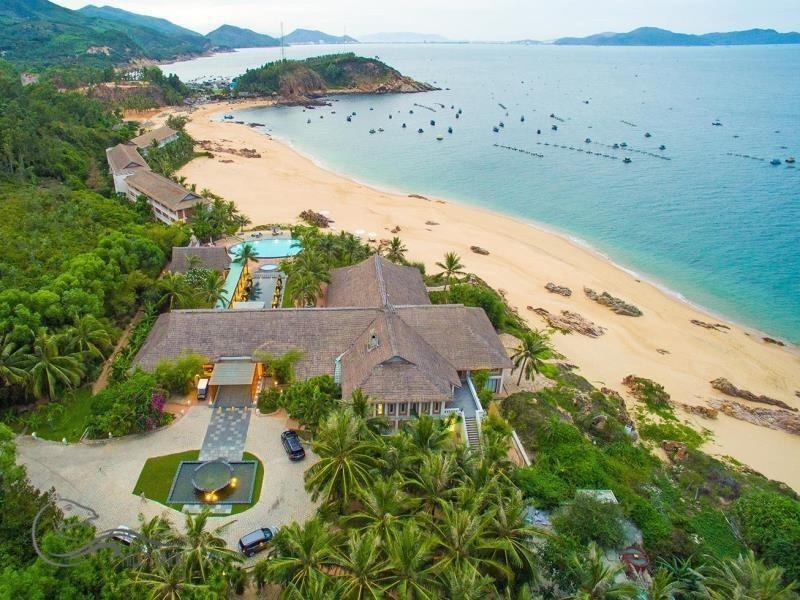 Toàn cảnh Avani resort & spa nhìn từ trên cao