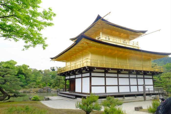 Ngôi chùa dát vàng đẹp diễm lệ
