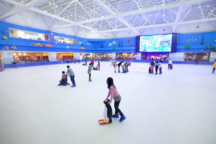 Trượt băng thú vị ở Vincom Mega Mall Thảo Điền