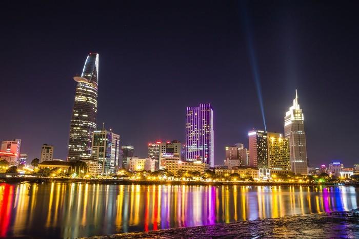 Bạn đã tìm được khách sạn để nghỉ ngơi khi màn đêm buông xuống và Sài Gòn đã lên đèn chưa nào