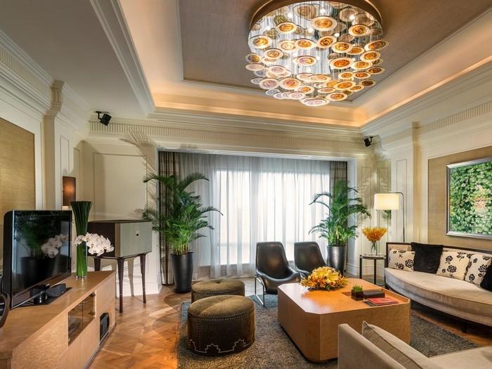 Nội thất căn phòng thanh lịch và tinh tế ở khách sạn Intercontinental Asiana Saigon