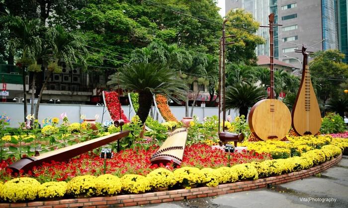 Một góc đường hoa Nguyễn Huệ