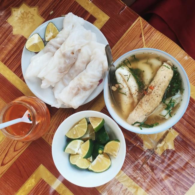 Bánh cuốn Cao Bằng - khám phá ẩm thực là điều không thể thiếu trong mỗi chuyến đi.