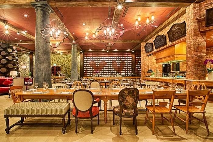 Không gian nhà hàng sang trọng tại Mercure Bana Hills French Village