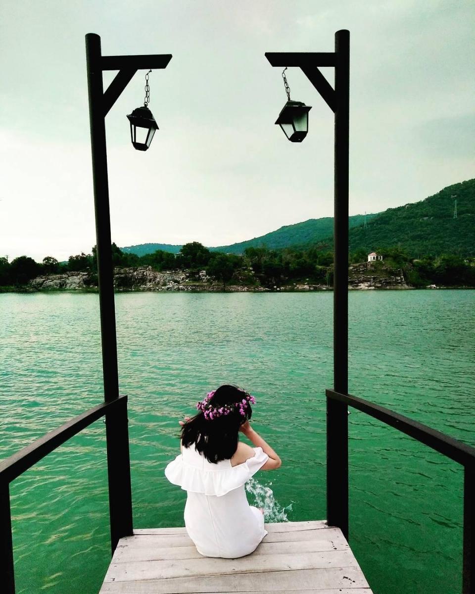 Thỏa đam mê sống ảo với Hồ Đá Xanh